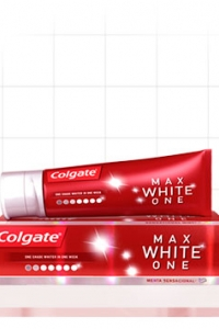 Dentífrico Colgate Max White One